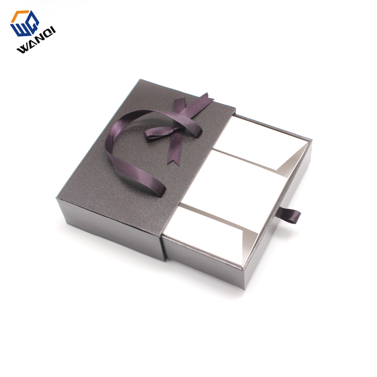 Luxury Cardboard branded gift box with ribbon